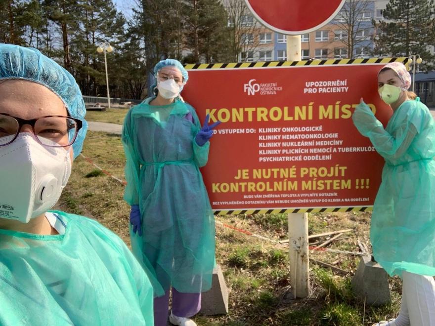 V nemocnicích azdravotnických zařízeních pracuje už 150 studentů ostravské lékařské fakulty